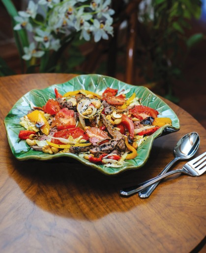 Asian Pepper Steak Salad