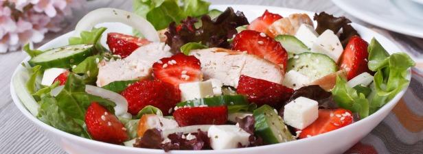 Salad_Chicken_Strawberries2