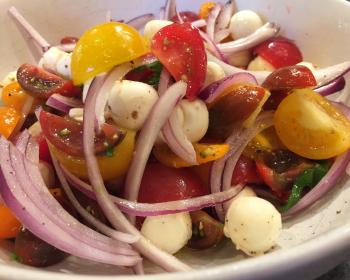 Mozzarella salad mixture